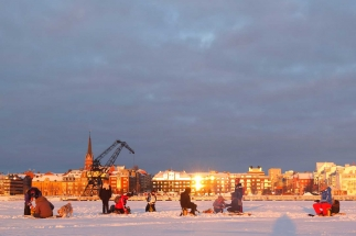 Luleå south harbour - ice fishing