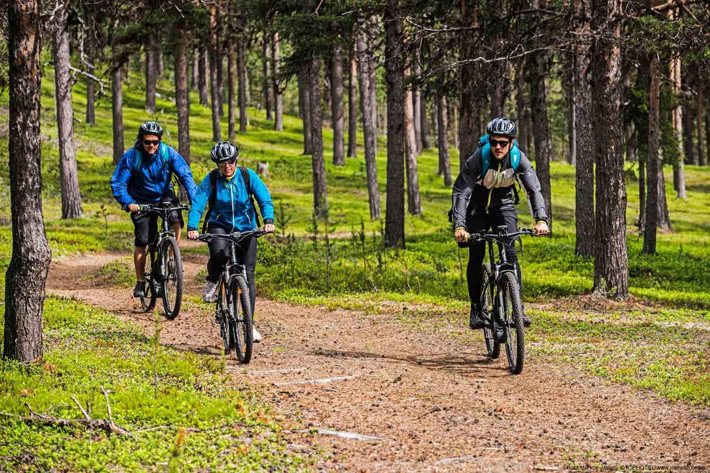 summer-icehotel-biking