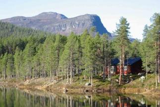 Arrenjarka-mountain-scenery
