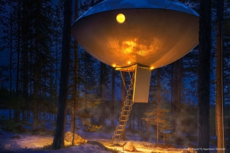 winter-treehotel-ufo