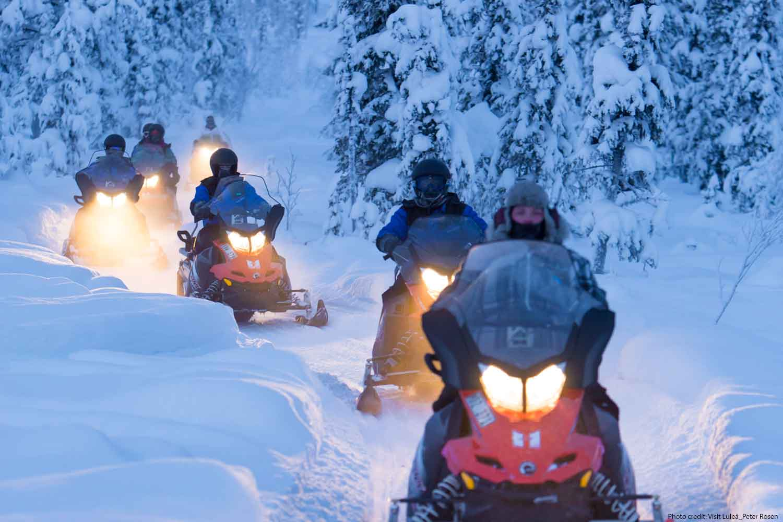 lulea-snowmobiling-tour-options