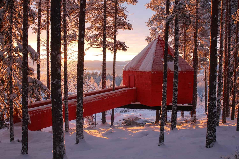 treehotel-bleu-cone-zweden